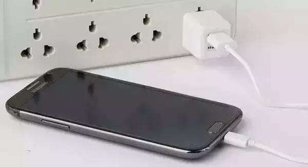 手机充电速度取决于充电头还是数据线?桐城